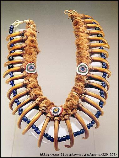 Bear Claw Necklaces или ожерелье из медвежьих когтей.