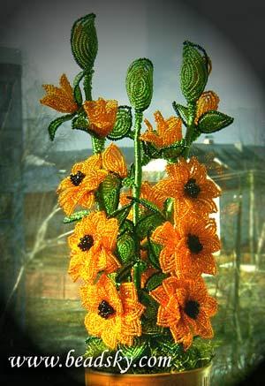 из бисера цветы.
