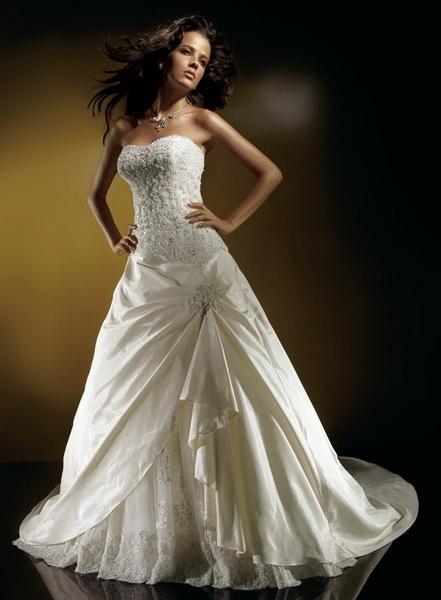 Категория.  Красивые девушки в не менее красивых свадебных платьях.
