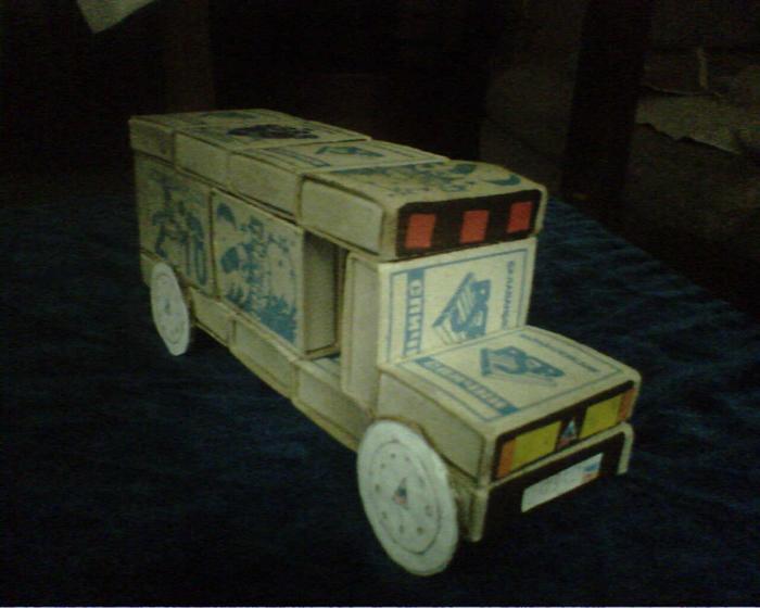 Поделка машина своими руками из подручных материалов