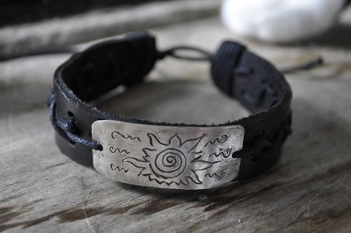 Сделать мужской кожаный браслет