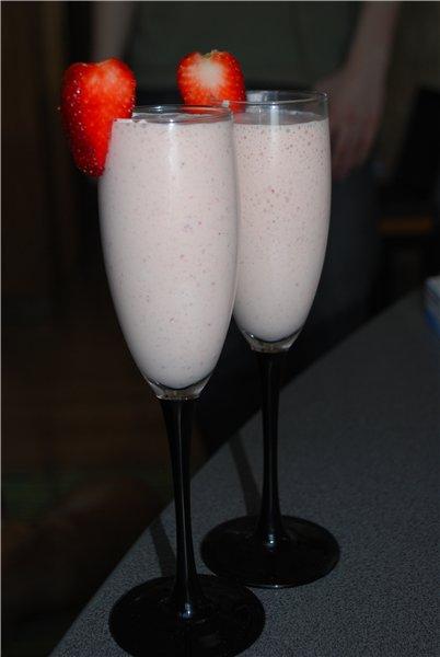 Делали недавно сорбетто, ну или же просто молочно-алкогольный коктейль.