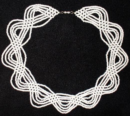 Схемы плетения из бисера, рукоделие, бисер, украшения из бисера, фенечки, браслеты из бисера, колье из бисера...