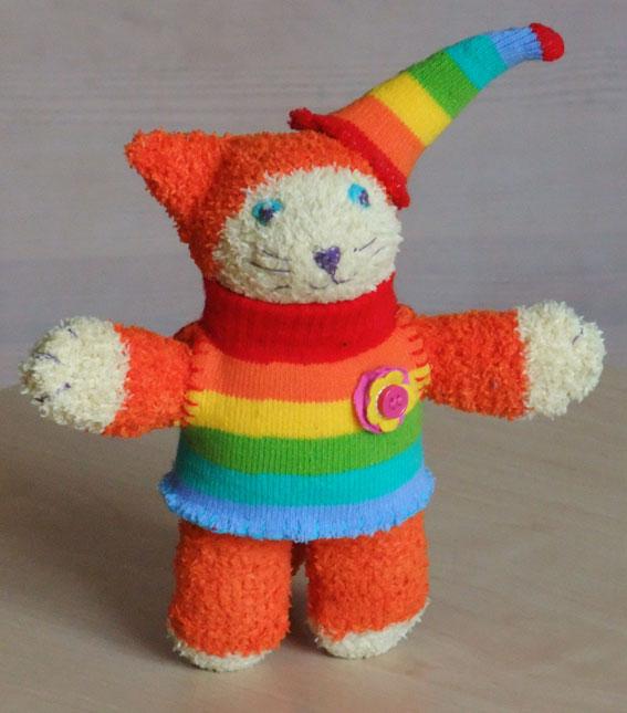 Мягкая игрушка Рыжий кот из носков своими руками.