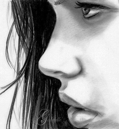 Лицо девушки на ногтях