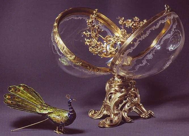 Яйца Фаберже - знаменитая серия ювелирных изделий фирмы Карла Фаберже.  Серия создавалась между 1885 и.