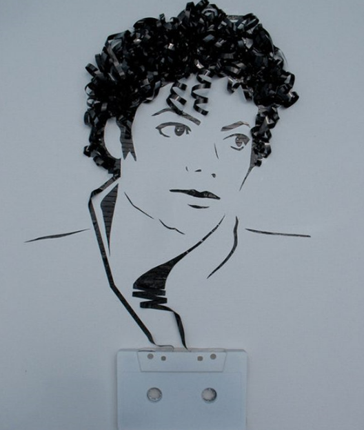 Кретивы из магнитофонных кассет.