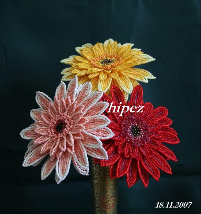 Герберы - цветы из бисера,