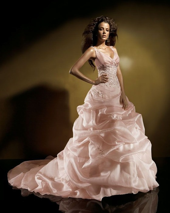Latest Photos of Wedding Dresses & Wedding Gown.