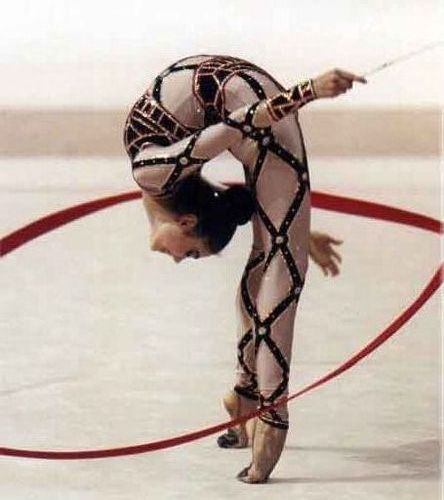 b Художественная гимнастика /b