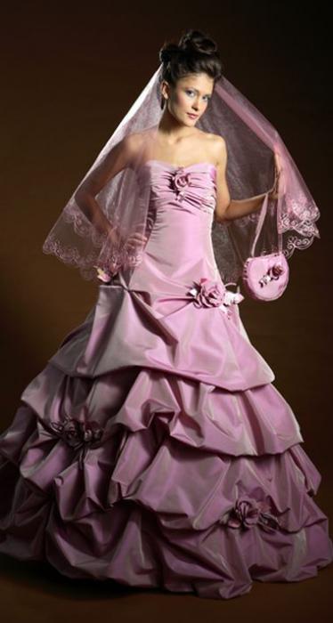 голые девушки в свадебных платьях