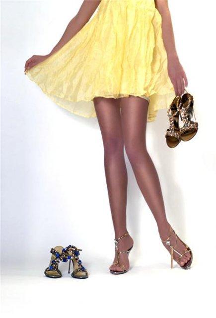 Бесплатные фото девушек с красивыми ножками на каблуках.