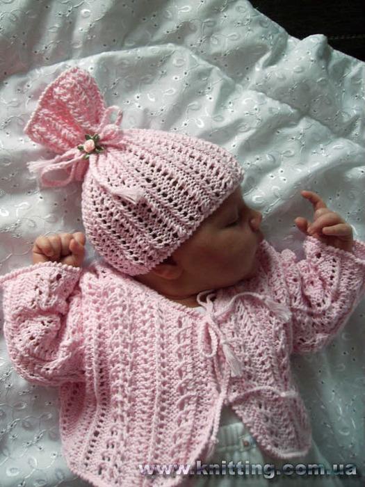 Описание: схема вязания шапочки для новорожденного.