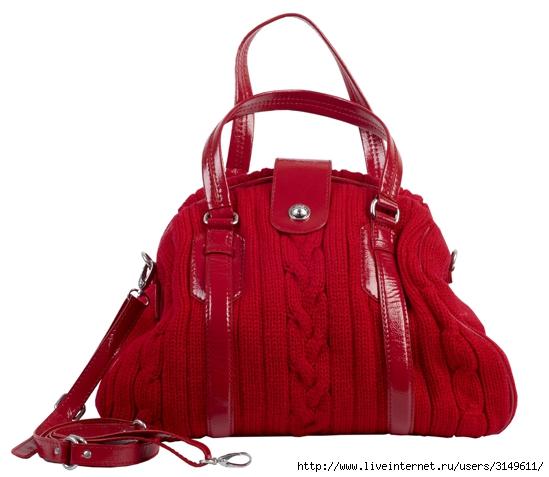 Акриловый берет, Accessorize - 899 руб.  Красная вязаная сумка.