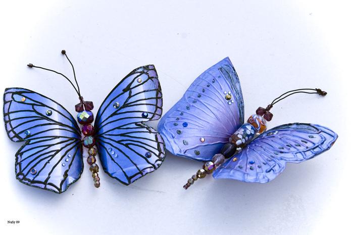 Из пластиковых бутылок можно сделать симпатичных порхающих бабочек.  Такие поделки для сада требуют немного времени и...