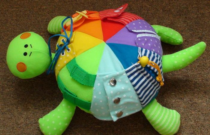 Детские развивающиеся игрушки своими руками