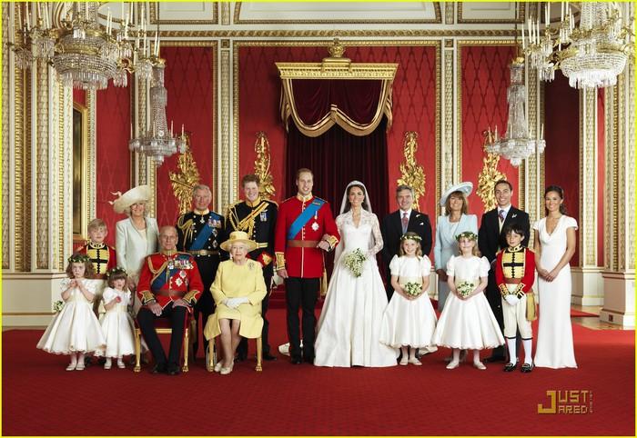 prince-william-kate-middleton-official-wedding-photos-03 (700x482, 131Kb)