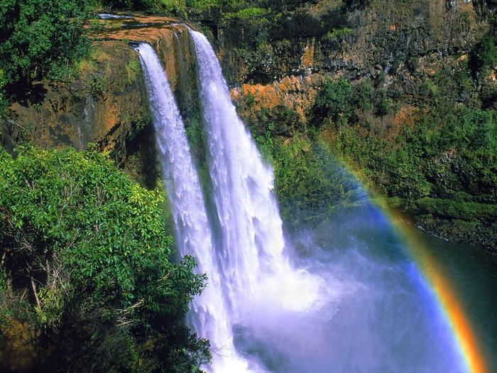 Wailua_Falls,_Kauai,_Hawaii_-_1600x1200_-_ID_405 (700x525, 216Kb)