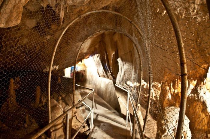 Медведь Пещера в селе Chiscau - Румыния - Bears' Cave, Chiscau, Romania, 38090