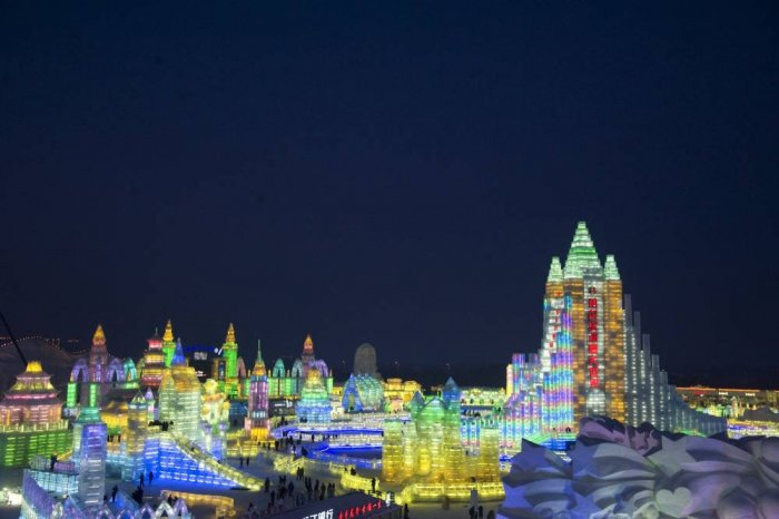 фестиваль ледяных скульптур харбина 3 (700x466, 181Kb)
