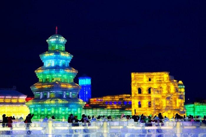 фестиваль ледяных скульптур харбина 5 (700x466, 221Kb)