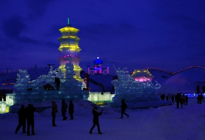 фестиваль ледяных скульптур харбина 7 (700x480, 180Kb)
