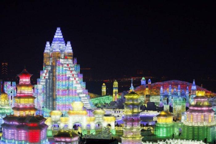 фестиваль ледяных скульптур харбина 11 (700x466, 228Kb)