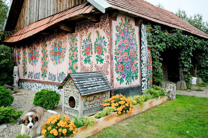 Zalipie-painted-village-1 (700x463, 223Kb)