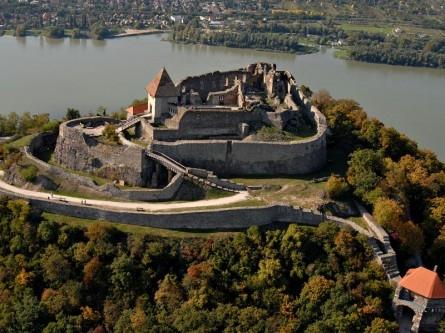 панорама_старой_части_города_Вышеград_Венгрия_Visegrad_Hungary-445x333 (445x333, 134Kb)