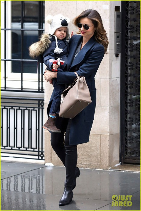 miranda-kerr-takes-flynn-to-orlando-blooms-on-his-3rd-birthday-11 (468x700, 90Kb)