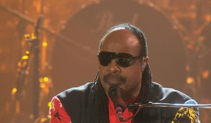 stevie-wonder-jpeg-1912278391-600x350 (700x408, 129Kb)