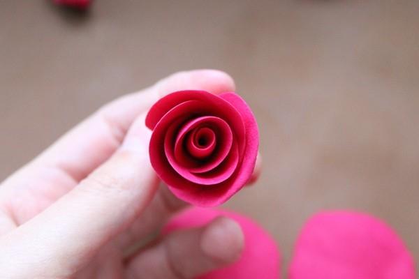 Розы из полимерной глины. СЕРДЦЕ ИЗ РОЗ (18) (600x400, 83Kb)