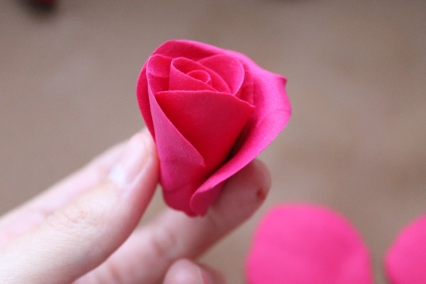 Розы из полимерной глины. СЕРДЦЕ ИЗ РОЗ (20) (600x400, 83Kb)