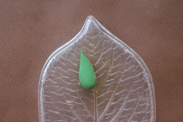 Розы из полимерной глины. СЕРДЦЕ ИЗ РОЗ (25) (600x400, 131Kb)