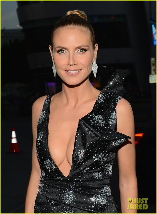 heidi-klum-peoples-choice-awards-2014-red-carpet-01 (512x700, 82Kb)
