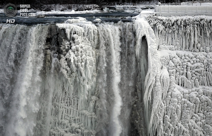 замерзший ниагарский водопад фото 2 (700x448, 283Kb)