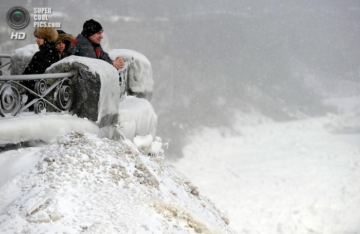 замерзший ниагарский водопад фото 6 (700x455, 204Kb)