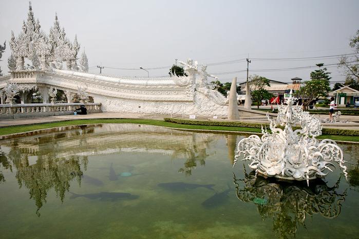 белый храм таиланд фото 8 (700x466, 359Kb)