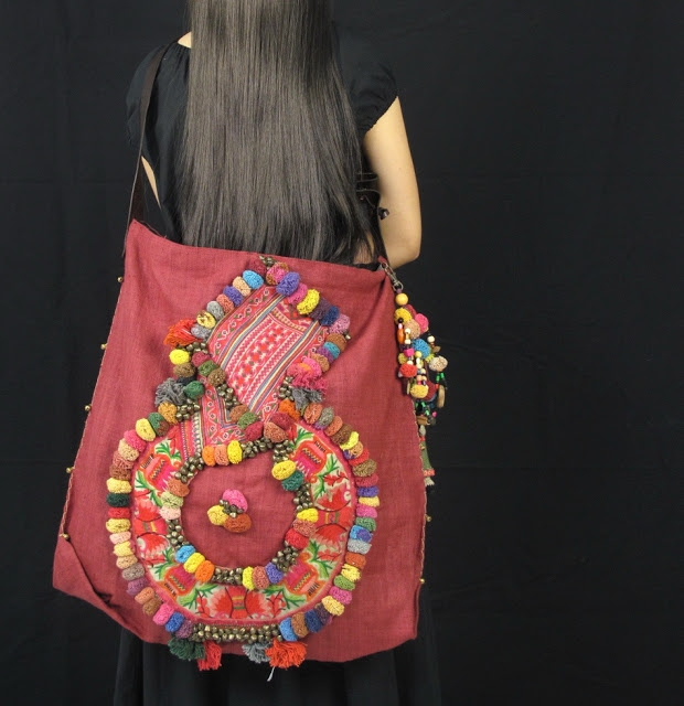 Red Hemp with vintage hill tribe fabric and handmade pom pom oversize bag 2 (620x640, 209Kb)