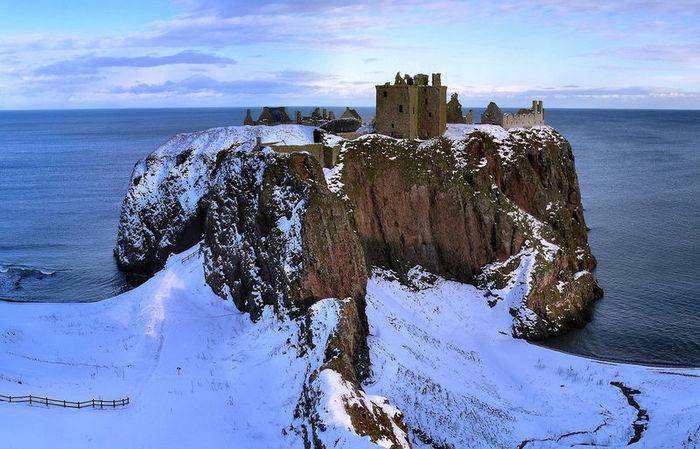 шотландский замок данноттар 14 (700x449, 246Kb)