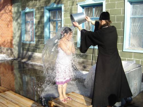 крещенские обливания (350x375, 34Kb)