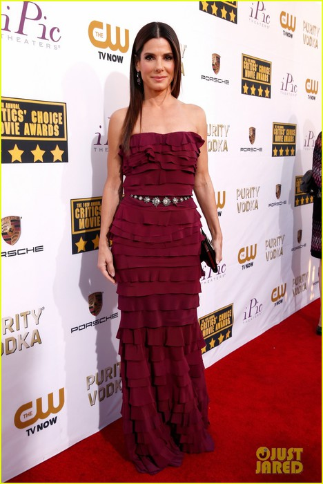 sandra-bullock-critics-choice-awards-2014-red-carpet-01 (468x700, 83Kb)