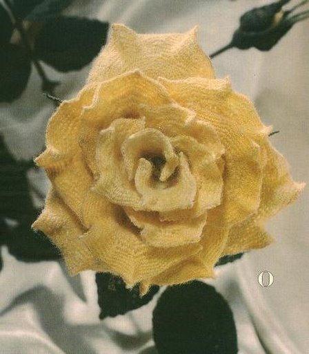 Много цветов крючком с
