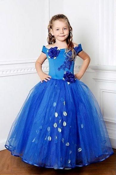 платье из кружева расшитого бисером