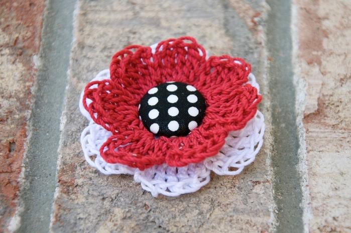 Крытая кнопка-цветок