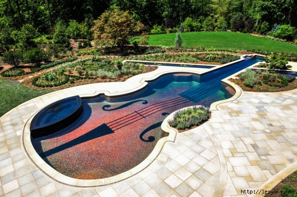 3925073_stradivariusviolin_pool (600x399, 217Kb)