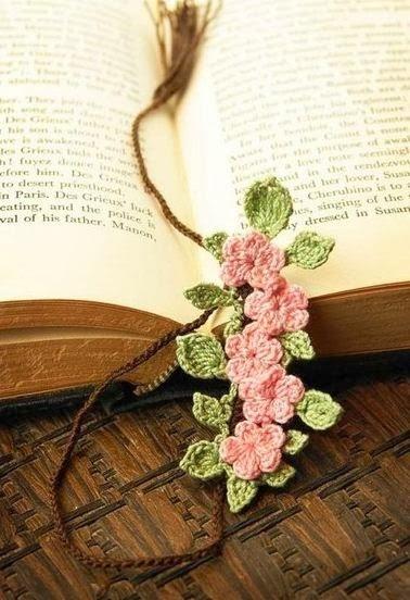 Закладки для книжки из цветочков крючком. Схемы цветов (36) (378x552, 133Kb)