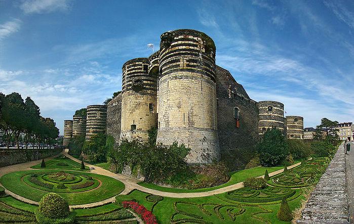 замок (700x443, 116Kb)