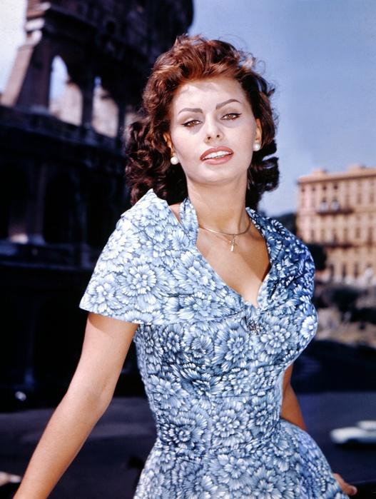 kinopoisk.ru-Sophia-Loren-1071638 (527x700, 142Kb)