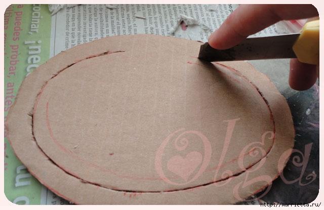 Как сделать объемную овальную рамку из картона. Мастер-класс (10) (640x416, 137Kb)